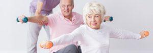 ältere Menschen beim Sport