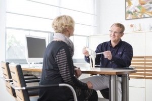 Orthopäde Lueg beantwortet Fragen zum Kreuzbandriss