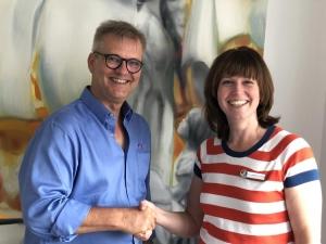Dr. med. Martin Kranich begrüßt neue Schmerztherapeutin Dr. med. Nicole Lambertz-El Hindy im Praevent Centrum